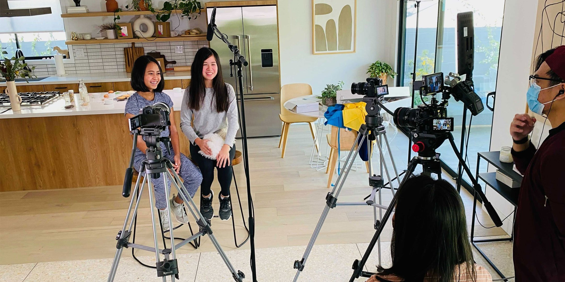 BTS Shoot of Malia and Kailani for How to use IG Reels